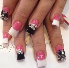 Instagram photo of acrylic nails by instylenails_