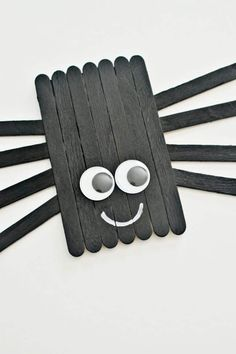 Create this cute little popsicle stick spider with your kids this Halloween. Also great for a book craft (IE: Charlottes Web, etc.) halloween crafts for kids Halloween Arts And Crafts, Halloween Crafts For Kids, Halloween Activities, Halloween Fun, Holiday Crafts, Spring Crafts, Craft Activities, Popsicle Stick Crafts For Kids, Popsicle Sticks