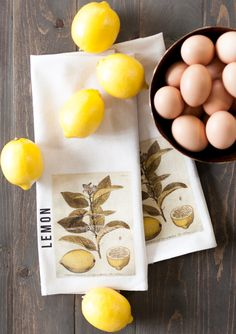 Welcome Spring into your Kitchen with this easy to make DIY Lemon Kitchen Towel Tutorial. This would make an adorable housewarming gift or maybe just keep it for yourself! Fresh Farmhouse, Farmhouse Style Kitchen, Farmhouse Style Decorating, Decorating On A Budget, Farmhouse Decor, Grey Floral Wallpaper, Homemade Mothers Day Gifts, Lemon Kitchen, Mason Jar Wall Sconce