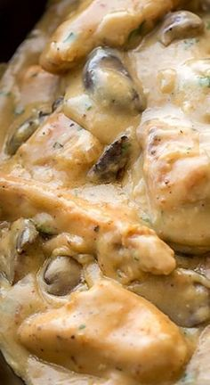 Chicken Stroganoff with Mushrooms Creamy Chicken Stroganoff with Mushrooms ~ Warming and comforting. A wonderful dish!Creamy Chicken Stroganoff with Mushrooms ~ Warming and comforting. A wonderful dish! I Love Food, Good Food, Yummy Food, Turkey Recipes, Chicken Recipes, Recipe Chicken, Main Meals, Food Dishes, Main Dishes