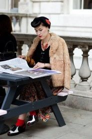 The hair... the coat... the shoes!!  So effortless, so individualistic and so freaking gorgeous.