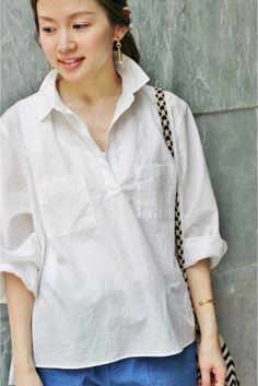 T.YAMAI スキッパーシャツ  T.YAMAI スキッパーシャツ 19440 2016SS IENA t.yamai paris (ティー ヤマイ パリ) パリ在住のデザイナー山井孝によるファッションブランド パリ生まれパリ育ちのブランドならではのパリの空気を感じる色づかい遊び心の入ったディティール女性らしさを引き立たせるシルエットに定評があります こちらの商品はIENAでの取り扱いになります 直接店舗へお問い合わせの際はIENA店舗へお願い致します 店頭及び屋外での撮影画像は光の当たり具合で色味が違って見える場合があります 商品の色味はスタジオ撮影の画像をご参照ください ホワイトブラック着用スタッフ身長159cm 着用サイズFREE モデルサイズ:身長:170cm バスト:80cm ウェスト:59cm ヒップ:87cm 着用サイズ:フリー