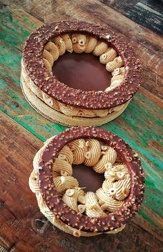 paris brest w rocher icing crust Big Cakes, Just Cakes, Cake Cookies, Cupcake Cakes, Christophe Adam, Delicious Desserts, Dessert Recipes, Paris Brest, French Patisserie