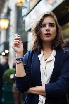 the sartorialist: paris The Sartorialist, Smoking Ladies, Girl Smoking, Style Français, French Chic, French Style, Mode Inspiration, Fashion Inspiration, Parisian Style