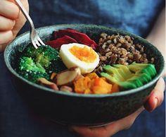 A ceux et celles qui pensent que manger végétarien est synonyme d'ennui et de menus répétitifs, LE BHV MARAIS livre trois recettes de Buddha Bowl
