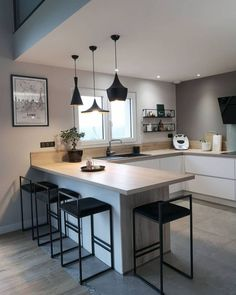 60 Practical Kitchen Renovation Ideas That You Need .- 60 Practical Kitchen Renovation Ideas You& Like Source by berandasm - Kitchen Room Design, Modern Kitchen Design, Home Decor Kitchen, Kitchen Layout, Interior Design Kitchen, New Kitchen, Home Kitchens, Kitchen Ideas, Kitchen Inspiration