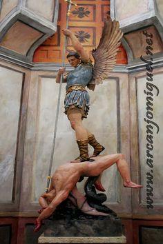 Capela de velas - São Miguel Arcanjo   Acenda sua Vela Virtual - Oração de São Miguel Arcanjo, Saint Michael the Archangel, San Michele Arcangelo