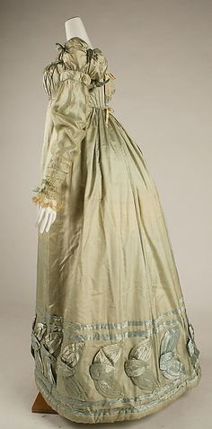 Dress, Date: ca. 1820 Culture: American Medium: silk Moving steadily forward into the look of the 30s.