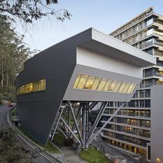 Stem Cell Building at UCSF  by Rafael Viñoly Architects