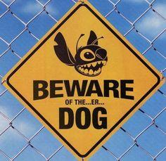 25 Hilarious Dog Warning Signs That Will Scare Any Intruder - DumbBuzz Funny Disney, Walt Disney, Disney Memes, Cute Disney, Disney Magic, Disney Art, Disney Stuff, Disney Decals, Lilo Stitch