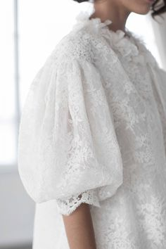 Billowing Sleeves / Marchesa Bridal Fall 2018 / Photo: The LANE