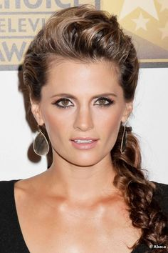 Castle : Stana Katic, who's that girl ?