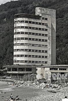 Colonia Fara, Chiavari