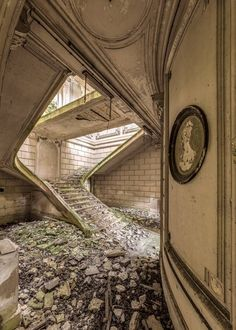 Photo Photo urbex – Achat / Vente Photos d'art – ArtPhotoLimited Prestige Related posts:Bay of SnugnessUS presidents abandoned mansions castles, Forgotten Abandoned Buildings, Abandoned Mansions, Abandoned Places, City Buildings, Photo D Art, Spiral Staircase, The Prestige, Backdrops, Beautiful Places