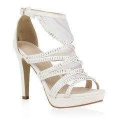 Weiße Sandaletten mit Spitzeneinsätzen und Strass von stiefelparadies.de - perfekt für die nächste Sommerparty!