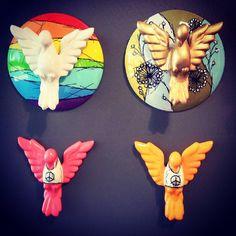 28ª Paralela Gift, na Fundação Bienal de São Paulo, Parque do Ibirapuera. De 12 a 15 de agosto de 2015.  Priscila Vannucchi & Marcos Wolff Objetos de Arte | site: www.pvmw.com | facebook: facebook.com/lojapvmw | instagram: instagram.com/pvmw.objetos.de.arte #pvmw #lojapvmw #design #art #arte #toyart #sp #ceramics  #urbanart #saopaulo #brazil #architecture #trend #vejasp #paralelagift #bienal #fundacaobienal #ibirapuera #pavilhaodabienal #fundaçãobienal #pomba #divino #divinoespiritosanto