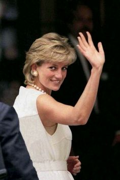 Diana, we will always love you! Amazing, beautiful and strong women, who was an idol for so many people. P.S. Recently watched the new movie with Naomi Watts - loved it, almost cried...