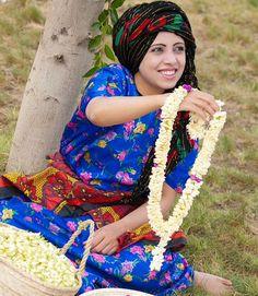 Fol it's small flowers Yemeni woman use it for garnish