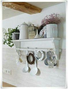 shabby chic kitchen designs – Shabby Chic Home Interiors Shabby Chic Mode, Shabby Chic Style, Shabby Chic Decor, Vintage Shabby Chic, Vintage Decor, Vintage Items, Country Decor, Kitchen Decor, Kitchen Ideas