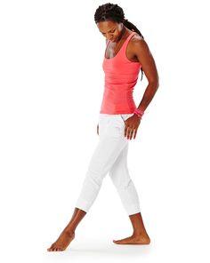 @glowpilot in a perfectly paired hyde yoga summer outfit: azalea jenjen tank & white chrystie pant   www.yogahyde.com #hydeyoga #yogaclothes #organicyoga