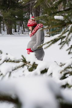 Winter Maternity Pictures #maternity #pregnant #pregnancy #photography #photoshoot #winter #holidays