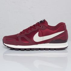 21053d3335b49c Nike Air Waffle Trainer - Team Red   Birch Red