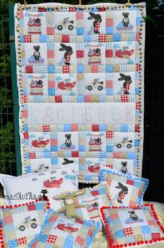 Baby quilt ( applique design from Stickherz, embroidery font design from Planetapplique)