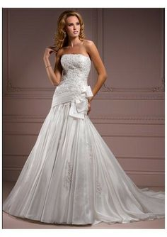 Organza Strapless Straight Neckline Lace Appliqued Bodice Asymmetrical Waistband With Half Bow Accents A-line Gathered Skirt Wit