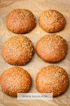 Low carb burger bun recipe with great crumb - Brot und Brötchen - Low Carb backen Rezepte - Vegan Recipes Seafood Soup Recipes, Healthy Soup Recipes, Raw Food Recipes, Healthy Eating Tips, Low Carb Recipes, Low Carb Burger Buns, Law Carb, Low Carb Backen, Quick And Easy Soup