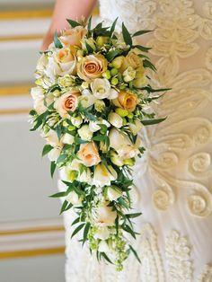 Book Review of Wedding Flowers by Paula Pryke OBE | Flowerona
