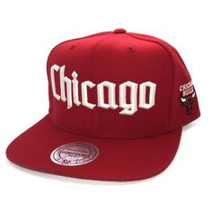 65713334cb1 MITCHELL   NESS CHICAGO BULLS NBA GOTHIC CITY SNAPBACK CAP