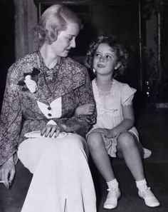 Rare shot of super stars Bette Davis and Shirley Temple together