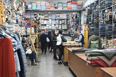 Negozi tessuti a Milano - Asnaghi Giacinto - interno negozio - Ph. Ladulsatina