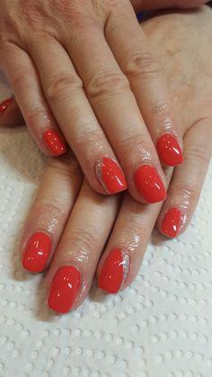 Jackrose with glitter gel nails