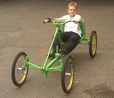 AtomicZombie Bikes, Trikes, Recumbents, Choppers, Ebikes, Velos and more: Handmade recumbent quadcycle