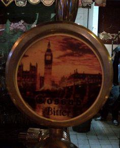 Cerveja Cossab Bitter, estilo Extra Special Bitter/English Pale Ale, produzida por Cossab Pub, Argentina. 5% ABV de álcool.