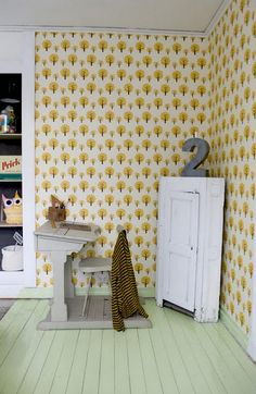 A fine way to indorse homework and make it fun with our fine wallpaper!  Dotty Wallpaper - Yellow. www.fermliving.com