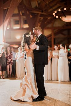Dancing away with her heart | Sacred Oaks | Whim Floral | Whim Rentals | Captivating Weddings
