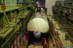 Aleksandr Nevskiy, notice that in some photos the bow planes are inside the hull, so the bow planes are retractable. Borei Class Submarine, Russian Submarine, Nuclear Submarine, Ballistic Missile, Nuclear Power, Class Projects, Model Ships, Navy, Beautiful