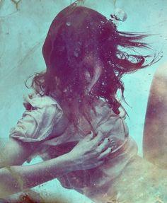 Bellissima foto. #underwater #woman