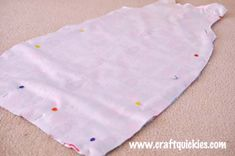 Sleep Sack With Free Pattern and Sewing Tutorial - Diy baby stuff - Baby Bag Pattern Free, Sewing Patterns Free, Free Sewing, Sewing Tutorials, Sewing Ideas, Sewing Projects, Clothes Patterns, Diy Projects, Baby Sleeping Bag Pattern