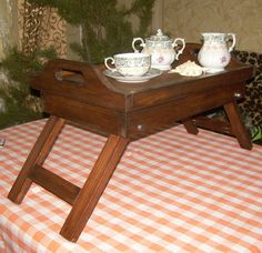 Wooden tray with legsserving platters от Paradiseoffurniture