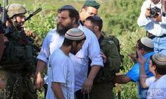 عشرات المستوطنين يعربدون شرق جنين بحماية جيش الاحتلال الإسرائيلي: مارس الجمعة، عشرات المستوطنين العربدة أعمال عربدة في سهل قرية رابا وفي…