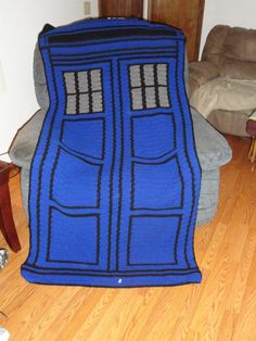 TARDIS BLANKET CROCHET PATTERN!!!!!!!!!!!!!!!!!! #DoctorWHO pretty sure @Michelle Flynn Flynn Flynn Flynn Louie needs to make this for Drew since I can't crochet