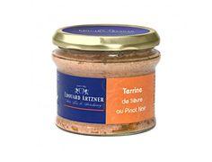 Terina de Iepure cu Pinot Noir #terina #pinotnoir #delicatese #EdouardArtzner #gourmet #cadouri #ideicadouri Pinot Noir, Coffee Cans, Canning, Drinks, Food, Gourmet, Drinking, Beverages, Essen