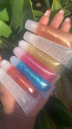 Glitter Lip Gloss, Diy Lip Gloss, Lip Gloss Homemade, Gloss Labial, Hot Pink Nails, Unicorn Makeup, Lip Mask, Summer Acrylic Nails, Lip Oil
