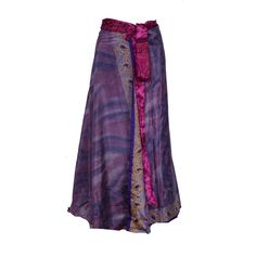 Lange nederdele i silkesari. Mange smukke farver er netop lagt på shoppen.