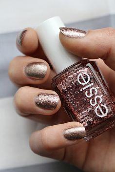 a cut above, essie luxeffects manicure #notd #essie #luxeffects