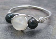Bloodstone and moonstone jewelry - first moon gift full of symbolism.