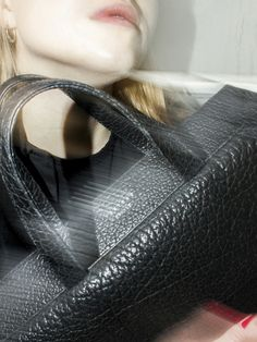 The handcrafted COEN unisex tote bag is made of finest South German calfskin leather. Bison, Tote Bag, Leather, Bags, Fashion, Handbags, Moda, Fashion Styles, Totes